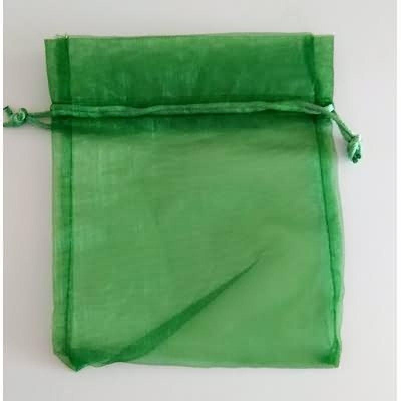 Bolsa tela verde pino 7x10 cm.50 unid.